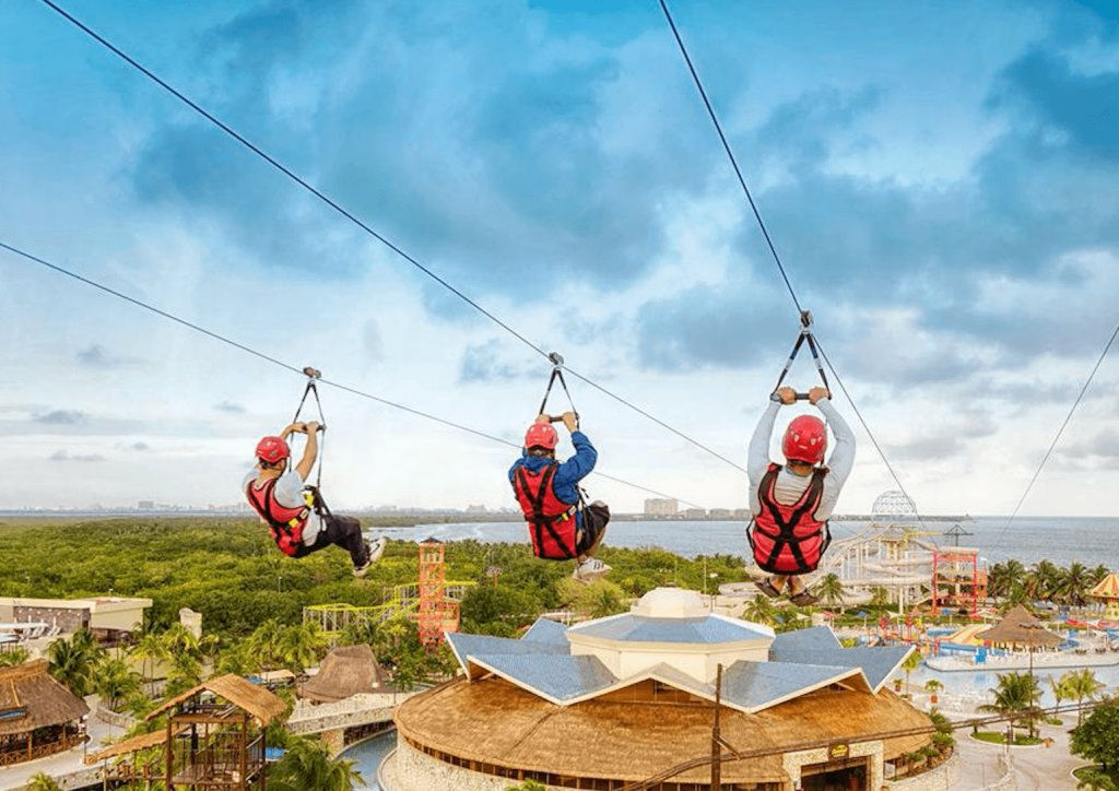 Adrenaline activities to do in Cancun at Ventura Park