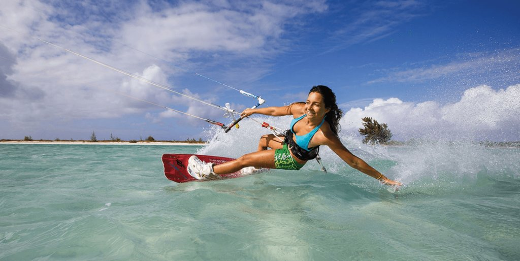 Kitesurfing at Isla Blanca in Cancun