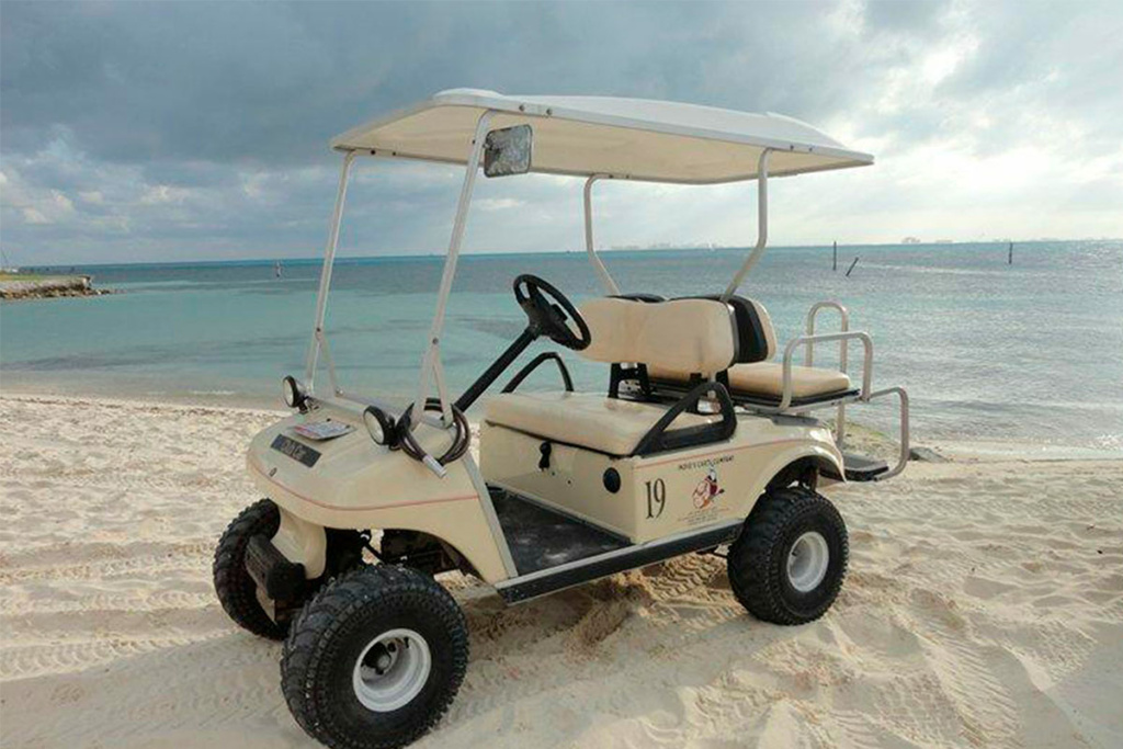 recorrido en un carrito de golf por isla mujeres
