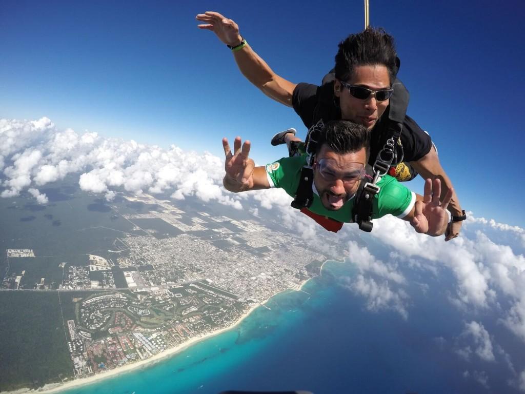 Skydiving at Playa del Carmen