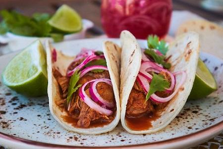 Tacos de Cochinita Pibil- Tacos para probar en Cancún